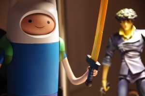 Look out, Finn! He's got a gun!!